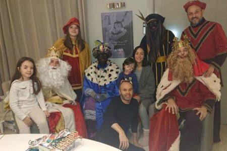 La foto familiar de Iniesta que ha provocado un aluvión de críticas