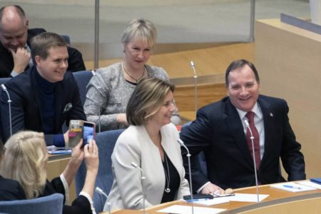 Suecia alumbra un Gobierno socialdemócrata tras un pacto para aislar a la ultraderecha