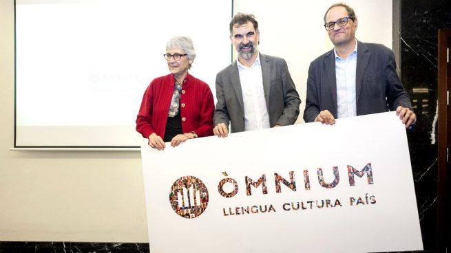 """VOX derrota a Òmnium ante el juez: multa de 200.000 € por recoger """"datos ideológicos de los catalanes"""""""
