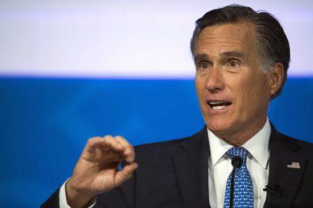 """Mitt Romney acusa a Trump de no estar """"a la altura del cargo"""""""