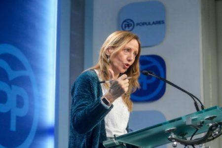 """El PP denuncia la """"politización"""" de los taxistas que se manifiestan ante la sede del PP y no en Fomento o el Ayuntamiento"""