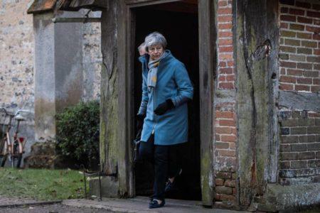 Parlamento y Gobierno batallan por el control del Brexit en su recta final