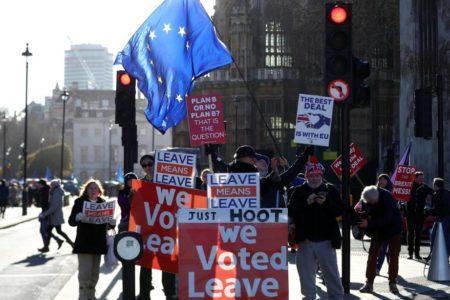 Claves del acuerdo del Brexit: paz, derechos adquiridos y 50.000 millones de euros