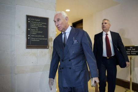 El fiscal de la trama rusa acusa de siete delitos a Roger Stone, excolaborador de Trump