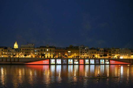 Sevilla se engalana para recibir a 3.000 invitados de cine