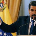 """Maduro califica la ayuda humanitaria de """"show"""" de la oposición"""
