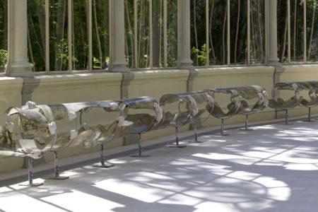 Dos visitantes rompen sendas obras en el Palacio de Cristal del Reina Sofía