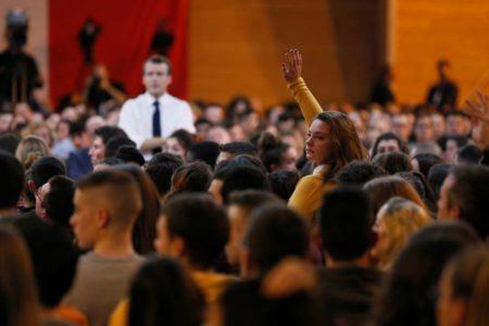 Francia impulsa el acceso juvenil a la cultura con un cheque de 500 euros