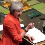 Los euroescépticos empiezan a dar señales de apoyo a May para salvar el Brexit