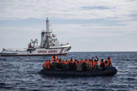 Alcaldes de España e Italia se unen en defensa del rescate de inmigrantes en el Mediterráneo