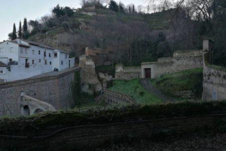 Se desploma un muro del Barranco de Fuentepeña en el entorno de la Alhambra