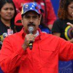 Maduro moviliza a sus fieles en el 20º aniversario de la llegada de Chávez al poder