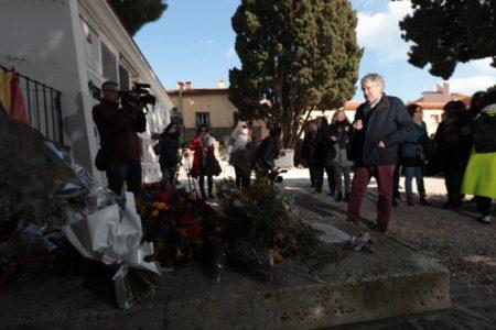 """Ian Gibson: """"Machado está bien en Colliure. Si se llevan a la momia del Valle de los Caídos, quizás pueda volver"""""""