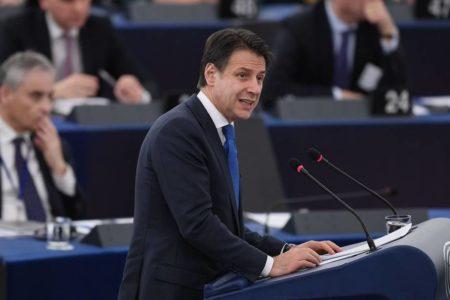 Conte exhibe ante el Parlamento Europeo la brecha con Bruselas y sus socios