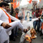Los enfrentamientos en Cachemira se recrudecen tras el atentado que mató a más de 40 militares indios