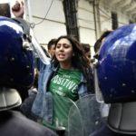 Miles de estudiantes se manifiestan en Argelia contra el quinto mandato de Buteflika