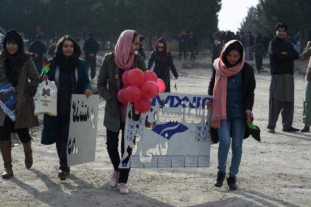 Las afganas temen pagar el precio de un acuerdo entre EEUU y los talibanes