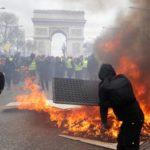 Los 'chalecos amarillos' vuelven a protestar en París en una manifestación con altercados violentos