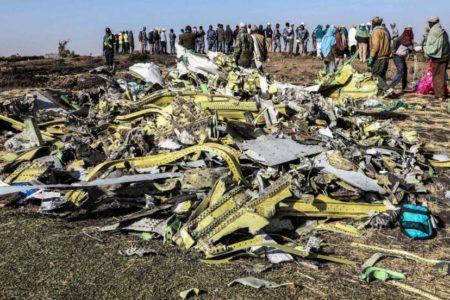 Halladas las dos cajas negras del avión que se estrelló en Etiopía con 157 personas a bordo