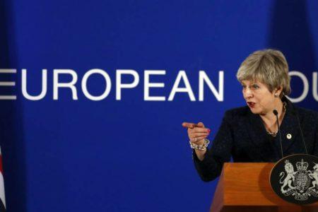 Bruselas convoca una cumbre de emergencia el 10 de abril tras el tercer rechazo al plan de May