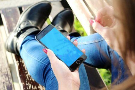 Estrés, distracción y 'tontería': estas son las consecuencias del uso del móvil