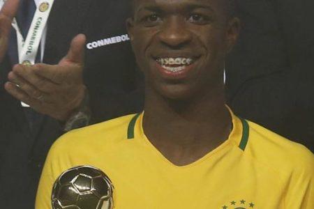 Vinicius, convocado por primera vez con Brasil