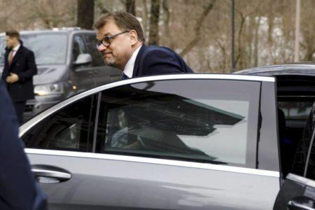 El primer ministro finlandés dimite