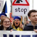 La UE se debate entre el Brexit duro y dar más tiempo a Londres