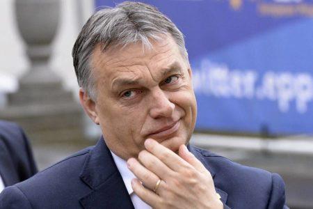 La derecha europea elude expulsar a Orbán y opta por una suspensión