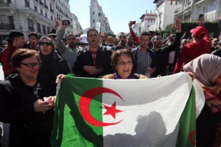 El destino de Argelia, pendiente de Buteflika