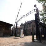 Auschwitz pide evitar los 'selfies' durante la visita al campo de concentración