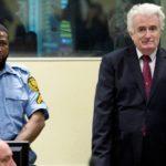 Un tribunal de la ONU eleva a cadena perpetua la condena a Karadzic por el genocidio de Srebrenica