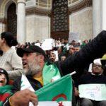 Argelia afronta su cuarto viernes de manifestaciones masivas contra Buteflika