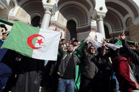 El miedo ha cambiado de bando en Argelia