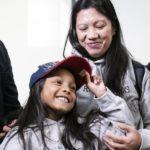La familia que escondió a Snowden en Hong Kong logra asilo en Canadá