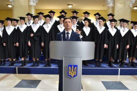 El cómico que hace de presidente, favorito para serlo en Ucrania