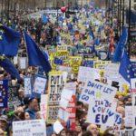 Cientos de miles de británicos inundan las calles de Londres para pedir un nuevo referéndum sobre el Brexit