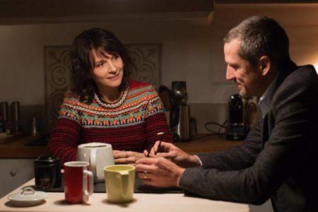 Olivier Assayas se marca un Woody Allen en 'Dobles vidas'
