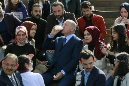 La crisis económica amenaza con pasar factura a Erdogan en las elecciones locales
