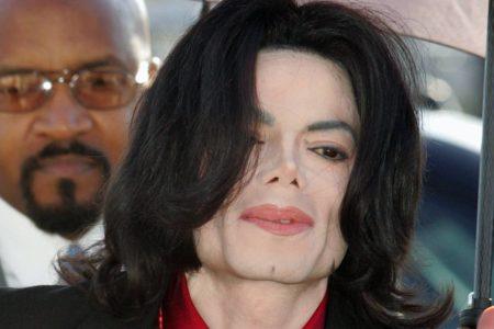 Un grupo canadiense de cadenas de radio deja de programar canciones de Michael Jackson