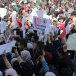 La calle en Argelia no quiere nada que venga de Buteflika