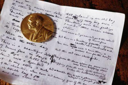La Academia Sueca confirma que entregará este año dos premios Nobel de Literatura