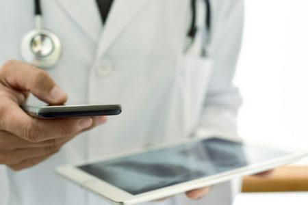 La transformación digital se pone al servicio del cuidado de los mayores en el hogar