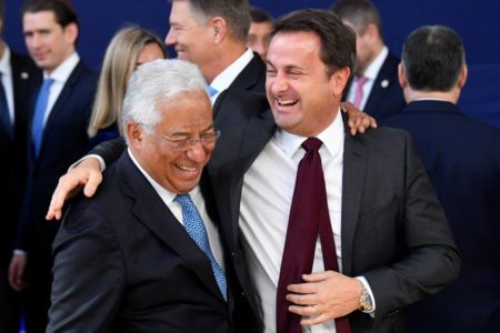 El 'familygate' se cobra la primera víctima del Gobierno portugués