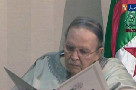 Buteflika pide perdón al pueblo argelino