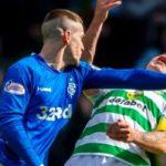 Un jugador del Rangers noquea a otro del Celtic en el clásico escocés
