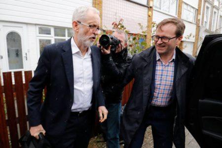 La negociación del Brexit de May revela la división en el laborismo