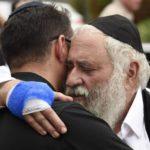 La policía investiga el supuesto manifiesto antisemita del asesino de la sinagoga de California