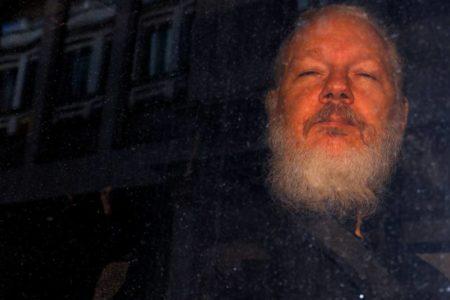 La Fiscalía sueca solicita la detención de Julian Assange por violación