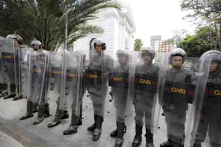 """El Supremo venezolano acusa a diputados antichavistas de """"traición a la patria"""""""